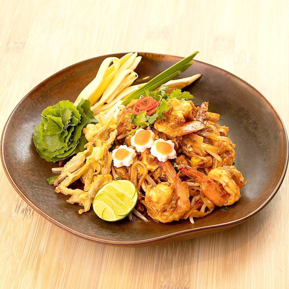 อาหารไทย เลิศรสที่ร้านเรือนนพเก้า